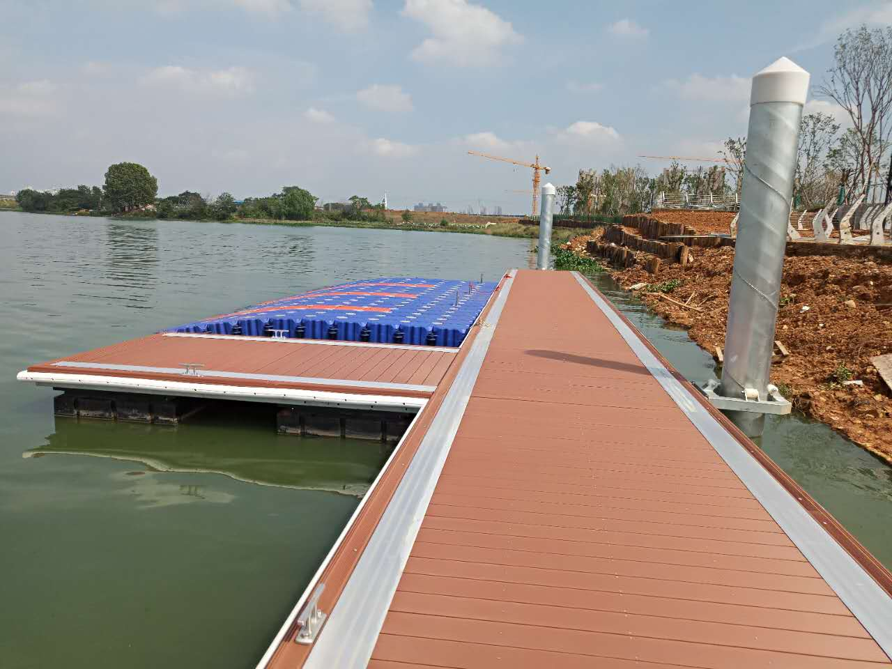 The Wuhan yacht dock, motorboat dock