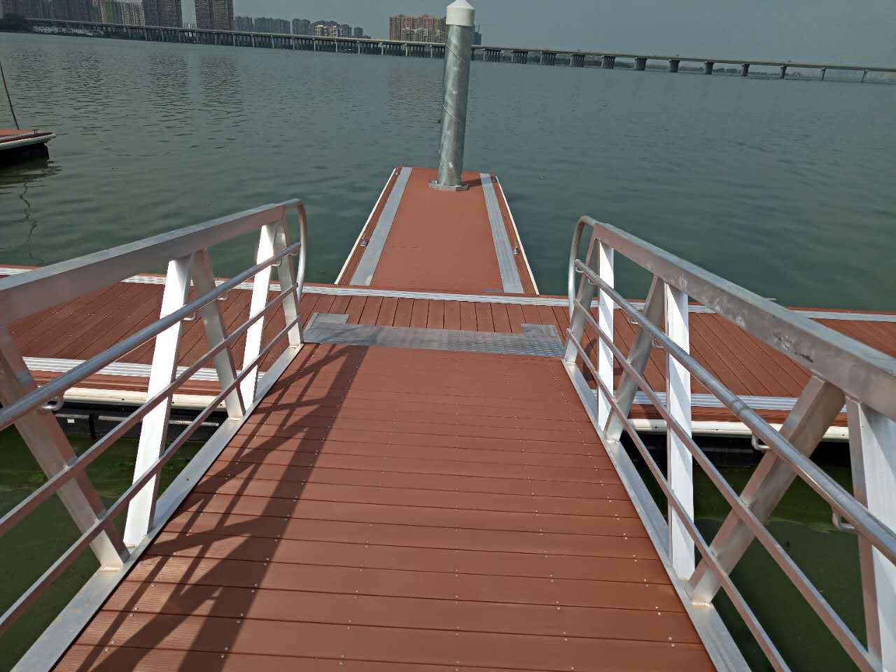 The Wuhan yacht dock, motorboat dock